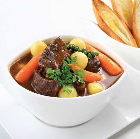 Làm món bò hầm hạt tiêu xanh – món ăn đơn giản dễ làm tại nhà
