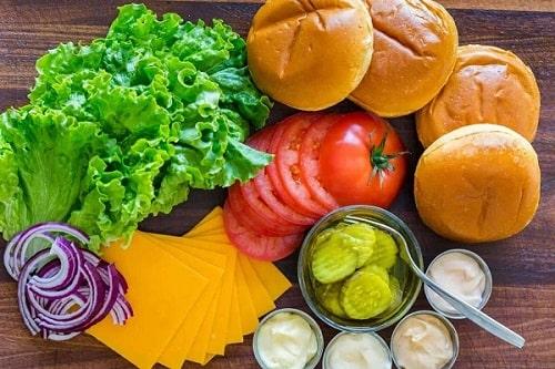 Nguyên liệu làm hamburger gà rán